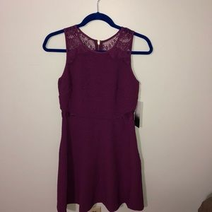Beautiful Plum Kensie Dress with lace